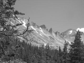 Dayhike: 10 miles, 1600 feet vertical